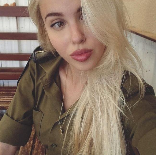 samaya-krasivaya-telka-foto-porno-na-plyazhe-vkontakte